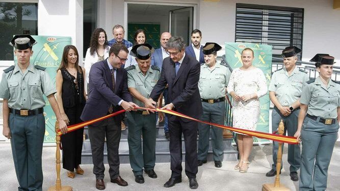 Momento inauguracion Guardia Civil Adra