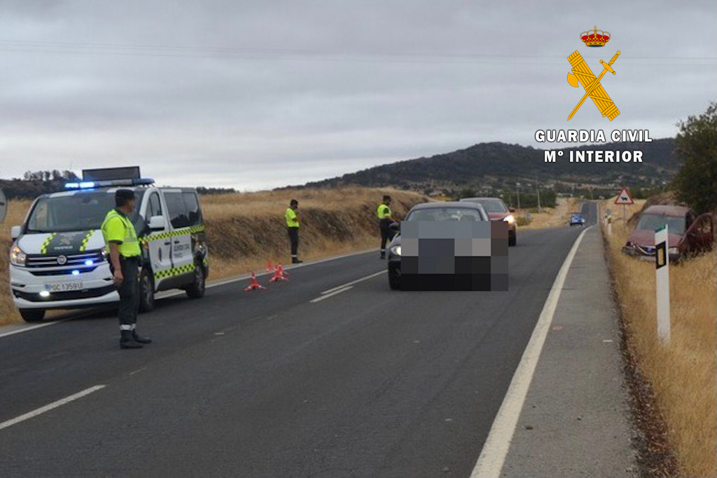 Guardia Civil en un accidente de circulación
