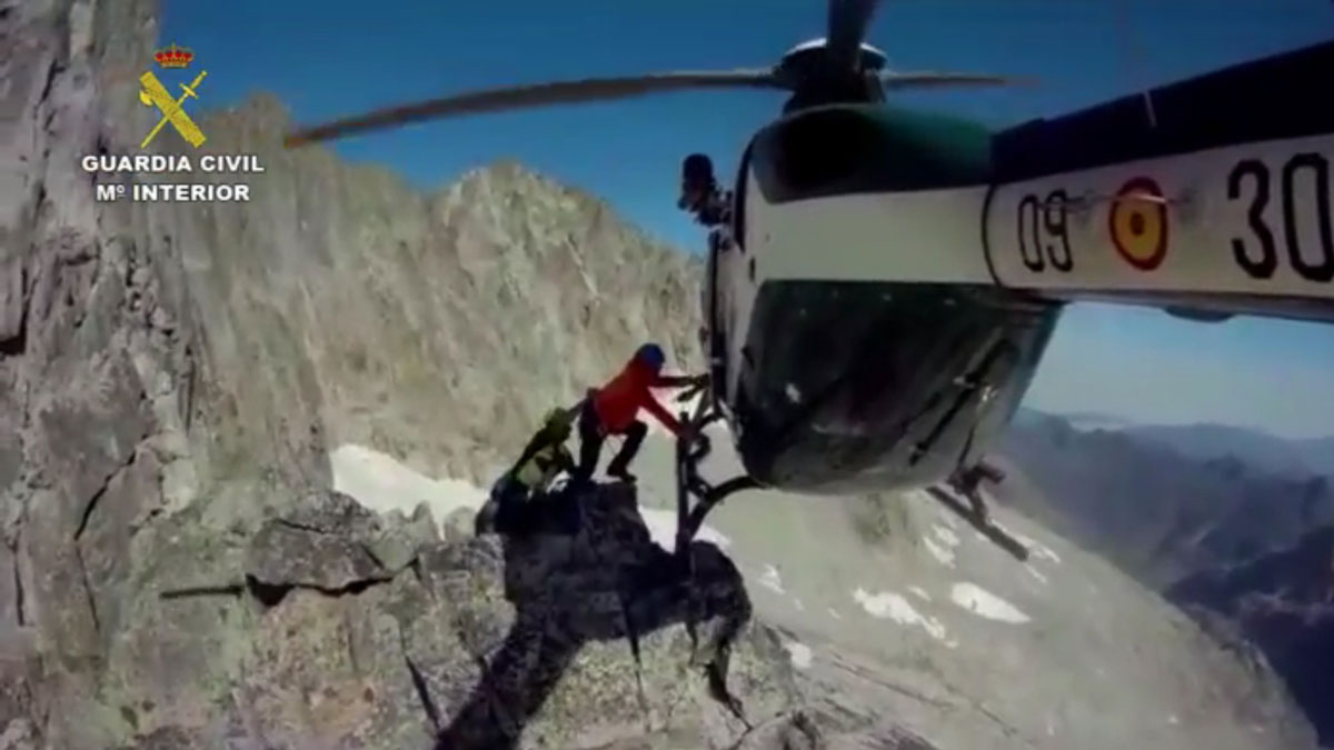 impresionante rescate guardia civil los pirineos